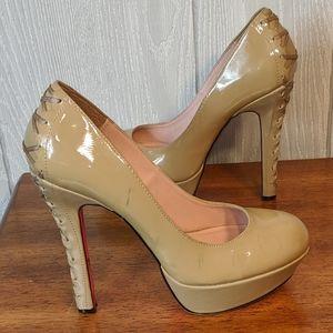 Betsy Johnson tan stiletto heels sz 8 1/2M